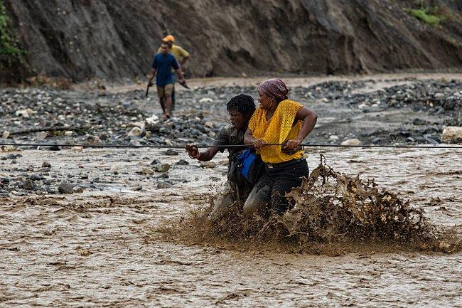Haiti patří k nejchudším zemím světa. Velký strach teď mají místní z cholery.