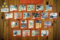 Kresby dětí na zdi Sociálního a psychologického rehabilitačního centra pro postižené černobylskou havárií.