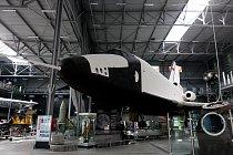 Suverénně největší lákadlo - raketoplán Buran.Po schodech můžete vystoupat i nad něj a nahlédnout do jeho otevřeného nákladového prostoru.