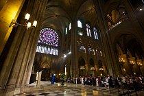 V katedrále se denně slouží mše pro místní i návštěvníky.