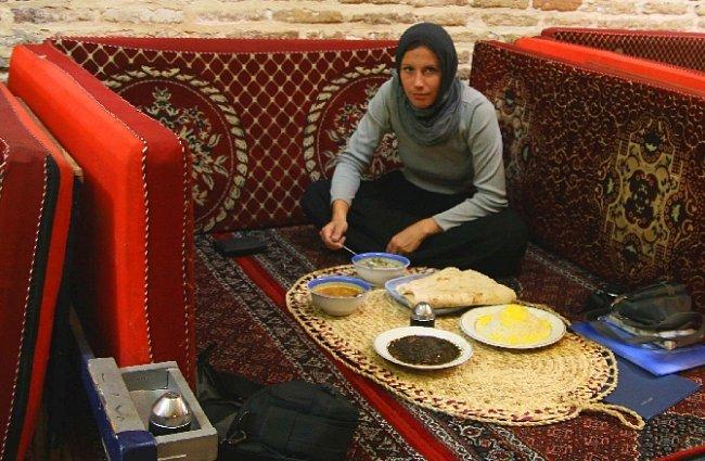 Chléb ke každému jídlu (Zanjan, Írán)
