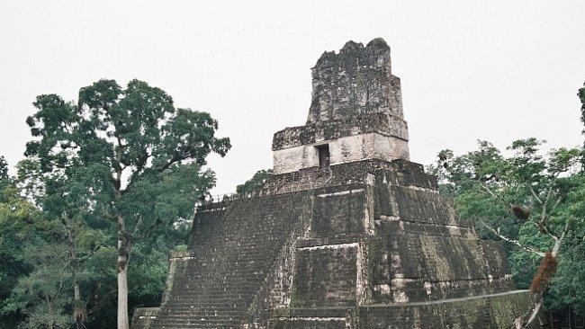 Tikal – magické  město v džungli vybudovali  Mayové. Anebo někdo tajemnější?