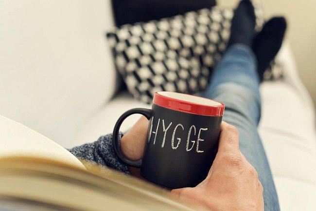 Způsob, jak žít vyrovnaně a spokojeně neboli hygge už se stalo definicí životního stylu Dánů.
