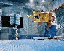 Konstruování družice ASTRA 3B.