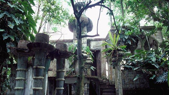 OBRAZEM: Fantasmagorické stavby britského básníka v džungli