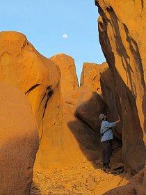 Geologický průzkum na lokalitě Sfinga, pohoří Sabaloka, výzkumy ČEgÚ.