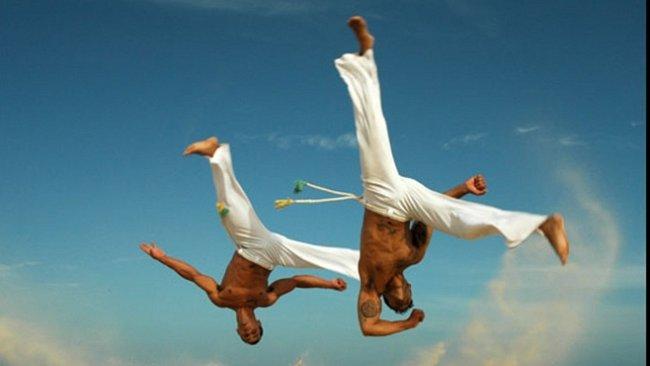 Tanec i zbraň otroků. Jak capoeira změnila Brazílii