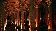 Potopený zámek pod Istanbulem: Obrovská vodní nádrž vypadá jako chrám