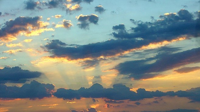 Proč je vlastně nebe modré? Prozradíme vám to. Vědci to objevili už před 170 lety