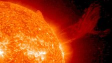 Silné sluneční erupce ... a náš svět se sesype jak domeček z karet