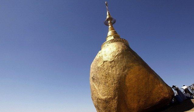 Pagoda, která popírá zemskou přitažlivost. Zlatý zázrak Myanmaru
