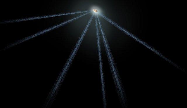 Vyšinutý asteroid má šest ohonů jako kometa