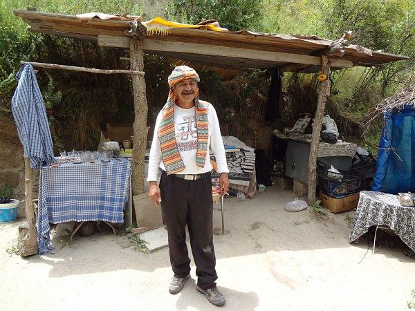Usměvavý Hasan, který vám cestou uvaří čaj