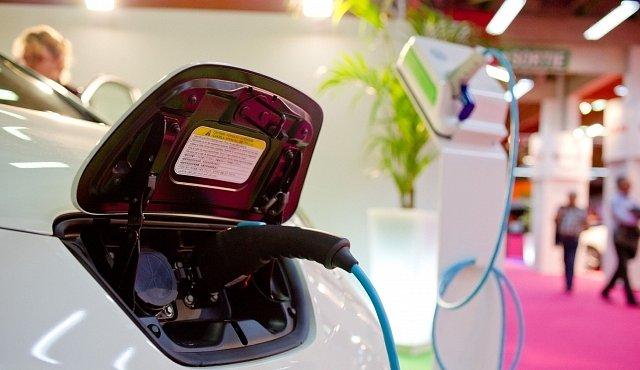 Elektromobily ničí přírodu mnohem víc než auta na benzín