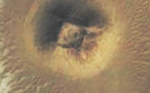 Neznámou pyramidu uprostřed pouště našel Google. Anebo to bylo jinak?