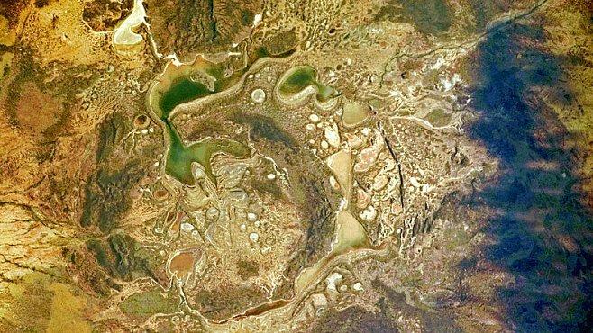 Dávný dopad meteoritu v Austrálii změnil tvář Země. Tvrdí to nová studie