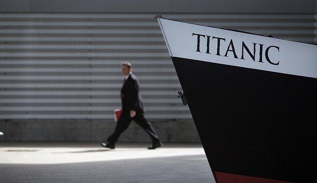 Měli byste na lístek na Titaniku? Velké srovnání cen lístků a dobových platů