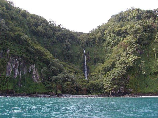 Vodopád na Kokosovém ostrově.