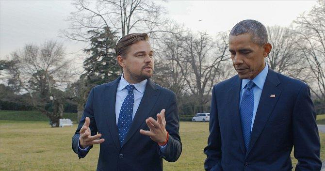 Prezident USA Barack Obama vdokumentu Je snámi konec?