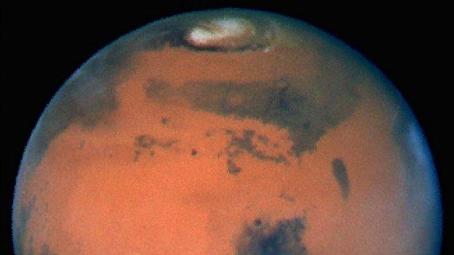 Curiosity na Marsu našla sloučeninu uhlíku. Žádný převratný objev. Analýzy jsou však na začátku