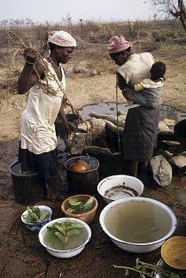 V Ghaně si vody umějí vážit
