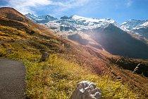 Na místech, kudy vede silnice byl už od 17. století třetí nejdůležitější přechod přes Alpy (po Brennerském průsmyku a průsmyku Radstätter Tauernpass). Za rakouské monarchie byla großglocknerská oblast