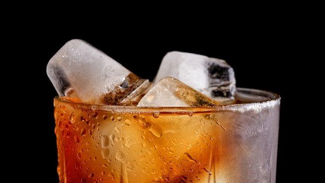 Vzácná whisky z Antarktidy patřící slavnému polárníkovi se po letech zkoumání vrátila zpět