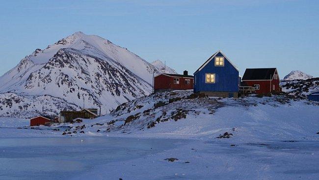 Vesnice Kulusuk je pohádkovou zemí mrazu a ledových pustin. Vítejte mezi Inuity