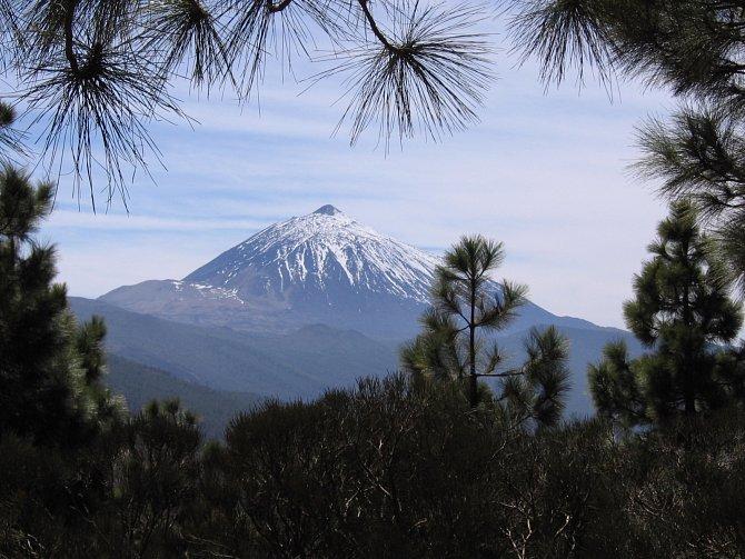 Nejvyšší vrchol Španělska je sopka Pico de Teida, která se na ostrově Tenerife vypíná do výšky 3 718 m n. m.