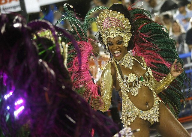 Karneval v Riu je světoznámý festival v brazilském Riu de Janeiru, při němž městem chodí velké průvody extravagantě oděných tanečníků a tanečnic pohybujících se v rytmu tance samba.