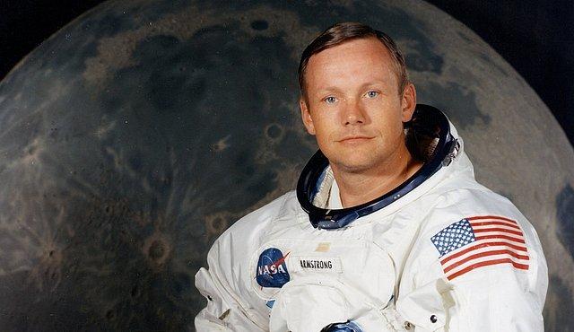 Zemřel Neil Armstrong. Vydejte se na jeho nejslavnější misi