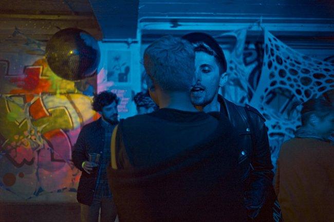 """V centru Cordy House v oblasti Shoreditch se koná Joiners Arms Gay Night. """"Je tady menší napětí, než by člověk očekával,"""" říká bývalý ředitel nadace Young Foundation, která vytváří programy řešení soc"""