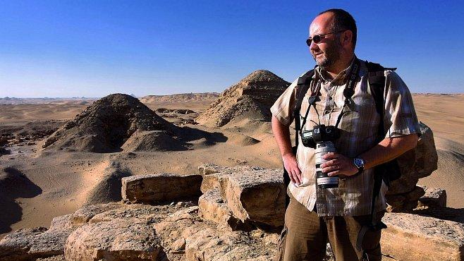 Muž, který studuje kolapsy civilizací – profesor Miroslav Bárta