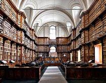 Biblioteca Angelica, Řím, Itálie: Začala shromažďovat 200 000 svazků na sklonku 13. století a o 300 let později je zpřístupnila veřejnosti. Má i cenný raný výtisk Božské komedie a první svazek Ciceronova spisu De oratore. Knihovna je přístupná.
