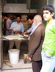 Fronta na chleba  (Zanjan, Írán)