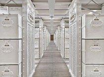 Österreichisches Staatsarchiv, Vídeň, Rakousko: Rakouský státní archiv tvořil kdysi soukromé křídlo císařské rezidence Hofburg. Dnes je to největší barokní knihovna v Evropě, otevřená denně od června do prosince.