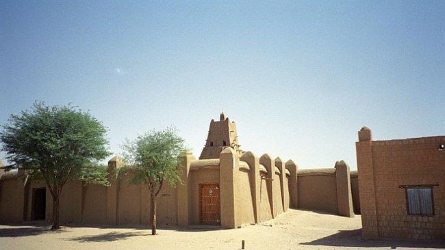 Tisíc let staré rukopisy z Timbuktu jsou v ohrožení. Válka zničila nedozírné kulturní bohatství