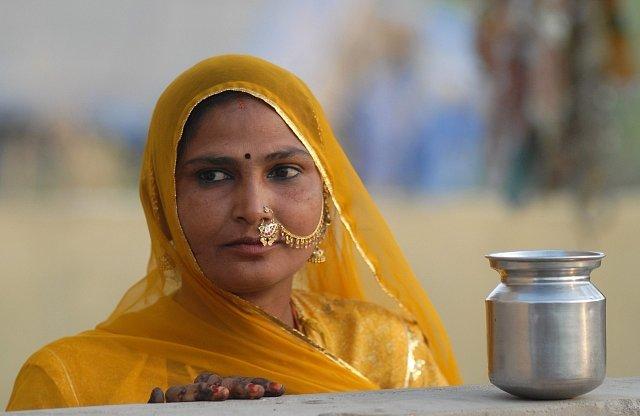 Hromadná svatba ve vesnici Vadia má zabránit prostituci.