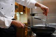 Ve spotřebě soli patří Češi mezi evropské rekordmany. Průměrná spotřeba soli se pohybuje kolem 12 gramů za den.