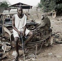 Umoru Murtala a opice School Boy, Asaba, Nigérie 2007.