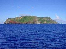 Ostrov Pitcairn - nejdete na něm vyhaslou sopkou, úrodnou půdou a to nejcennější - pramenitou vodou
