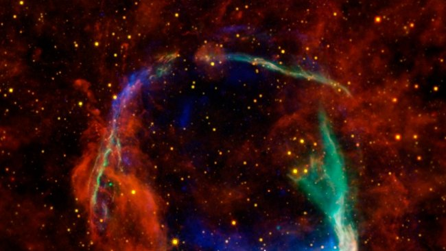 Záhadná supernova explodovala krátce po Kristu. Hvězdu zničil rudý obr