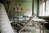 Školní třída poškozená výbuchem ve městě Pripjať