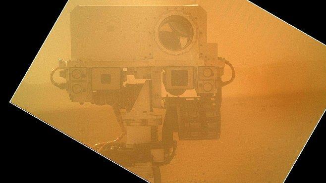 Paradox: Největší obava mise Curiosity je, aby nenarazila na vodu ani život