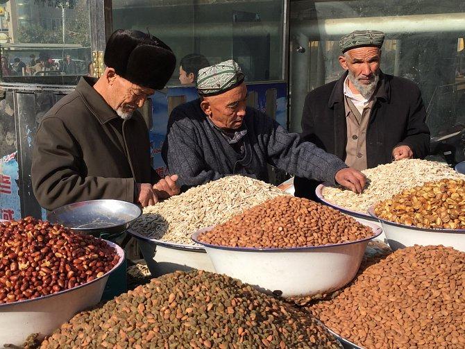 Provincie je slepicí snášející zlatá vejce: na území, které zabírá šestinu Číny, leží nesmírné přírodní bohatství včetně 30% ropných zásob.