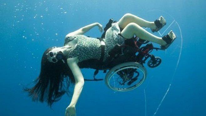 VIDEO: Potápění na invalidním vozíku je nádherné. A inspirativní i pro profesionály