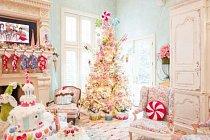 V roce 2016 měla Jennifer Houghtonová doma v Highland Parku velký vánoční stromek bohatě ověšený cukrovím, který jakoby vystoupil rovnou z pohádky.