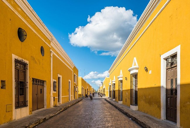 Hořčicově žlutá vás obklopí v mexickém městečku Izamal na poloostrově Yucatán.