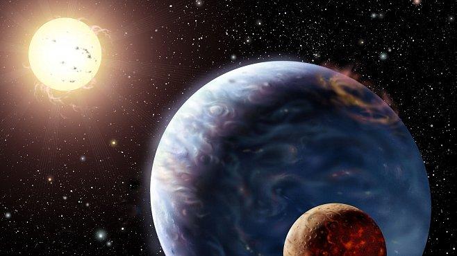 Horcí a osamělí Jupiterové nejsou v systému sami. Doprovází je měsíce