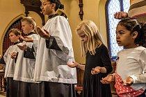 Lincolnův pohřební vlak se 26. dubna 1865 krátce zastavil veměstě Syracuse vestátu New York. Černí abílí farníci se dnes společně modlí vkostele Boží milosti, který patří jedné zprvních náboženských obcí, jež byla v50. letech minulého století integr